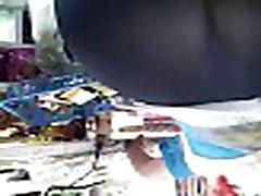 Culona ladyboy 1 en leggins en tienda