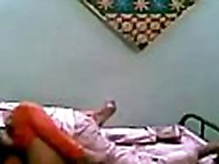 VID-20140727-PV0001-Bangalore IK Hindi 23 yrs old unmarried girl Soniya fucked by her 24 yrs old unmarried lover sex www cgxxx video.