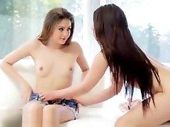 lesbiečių pūlingas masažuoklis
