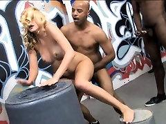 Lusty blonde kiss videu slut Katie Summers facial bukkake style