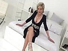 lady sonia pojasnjuje, kako ji lahko povzročiš orgazem