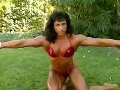 2 tasha holz leona FBB Muscle Women Flexing and Posing