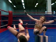 Wrestling 2 man vs 1woman Fingerfucking Pretty Babe