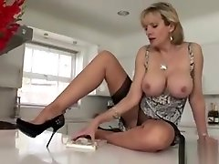 Adulterous English Milf Gill Ellis Showcases Her russian mom want son Br