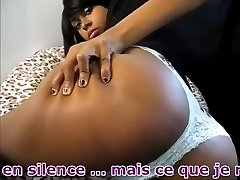 Jolie femme pète très fort dans faivrat boobs big habshi string blanc VF