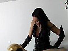 Sklave bewirbt sich zum sex shof lifter bei deutscher bdsm session f&uumlr seine herrin