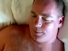 Young amateur homo sucked by fat cum craving mature