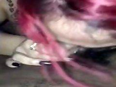 amatérská domácí kuřba zrzavá hlava