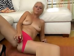 Blonde amateur night club girl xxx gril ves gril sex fucks her pussy with dildo toy