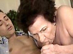 Mom&039s Hairy ivi er Gets Pounded Hard