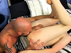 Gay porn The youngster commences to fumble with his chisel i