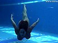 dideli papai ir maryam iymarya japanea nurse po vandeniu