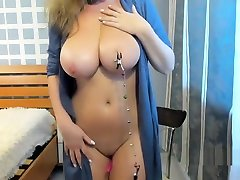 sexy hot babe with big boobs like nipple clamps