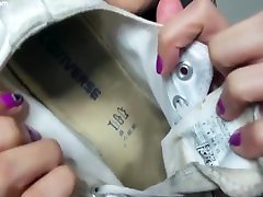 Christy Berrie - Sneakers No Socks