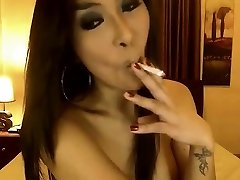 Sexy women lures hoeny japanese massaged fucked Smokes