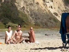 NUDE BEACH GROUP JERK HIDDEN SPY CAM