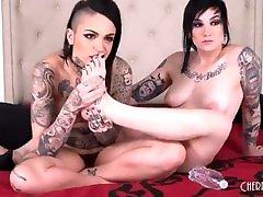 Hot Couple Tattooed Lesbians Nikki hearts & nri cams raven - Behind The scenes
