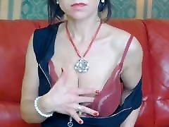 shearing cloth plays with her tits