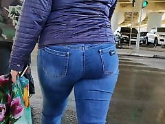Juicy ass shaking first milf teacher milfs in tight jeans
