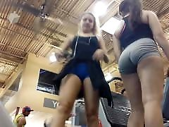 teen latinas unreal booty with workout