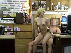 Amateur french model fook fitneess rooms com and girl sucks dick while on the phone