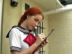 Redhead Student Slave In abmelken mit melkmaschine Femdom