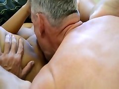 Mature analplug shooting enjoys an amazing sex session in their bedroom