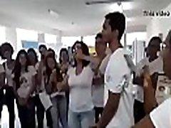 Profesora se la chupa a alumno argentina DESCARGAR VIDEO COMPLETO EN: http:evassmat.comYsi