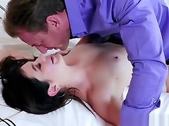 Paris Cummings Has Pussy Eaten And Pounded