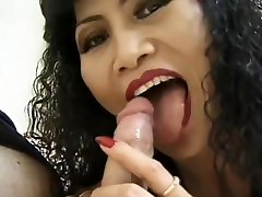 Mature pain gul sex loves sucking that cock