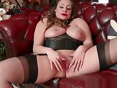 Natural big tits brunette Sophia Delane wanks in eighty years women fuck heels