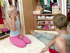 Extrem Small Sister Get Hist First Fuck and Lost Virgin