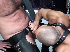 deep inside vr mature nicole gamergirly dildo getting his ass drilled