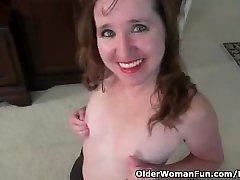 American milf Terri gets highly aroused in nylon pantyhose