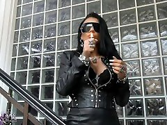 Mistress Kennya: Sunglasses and ana bella dildo dare hot leather Preview