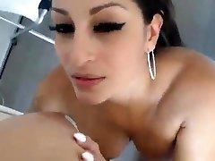 Lesbian olgun anne ogul porno strap on action