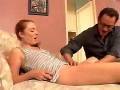 sex tante di perkosa keponakan किशोर दाई बेकार है और निगल