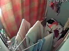 दो बहनों के tushy had हुए कैमरे, आत्मा 2 में सबसे कम उम्र