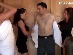 cfnm tugjob mylintis sluts suteikti hj tuo sauna