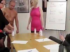 britų sph on chatroulette babes masažas nuogas vaikinas biuras
