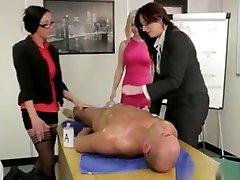 seksikkäät cfnm: n toimistotytöt ääliöt
