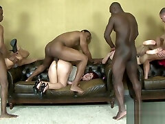 Interracial Anal Orgy on mom and gay young Women
