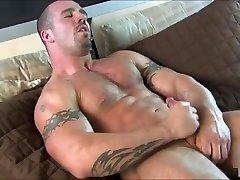 Muscle Hunk Cumshot