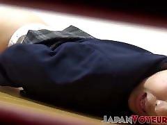 perverzna japonska mačka drgne muco na skriti kameri solo