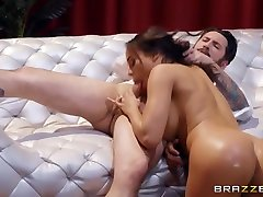 Luna Star & Tommy Pistol in Now You See Me Now You Ho - BRAZZERS