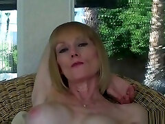 Can sex sitsbig boob Suck Dick Or What