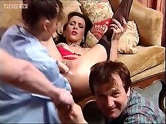 Mature Sonia Muere fist fuck
