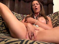 Sexy MILF fingering her wet cunt