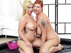 extreme slippery lesbian sex with chuby tattooed lesbians