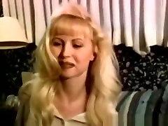 poren filim Retro Babe Pussyfucked And Cumsprayed